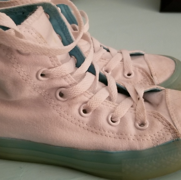 Other - Hightop converse